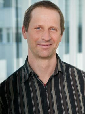 Mag. Dr. Stefan Juen