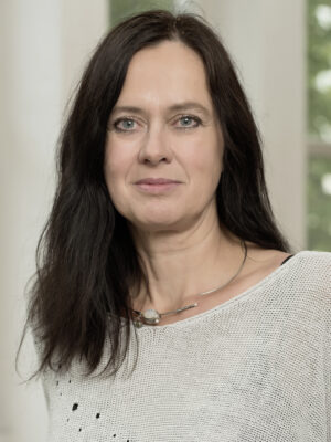 DKKS Mag.<sup>a</sup> Dr.<sup>in</sup> Anneliese Bechter